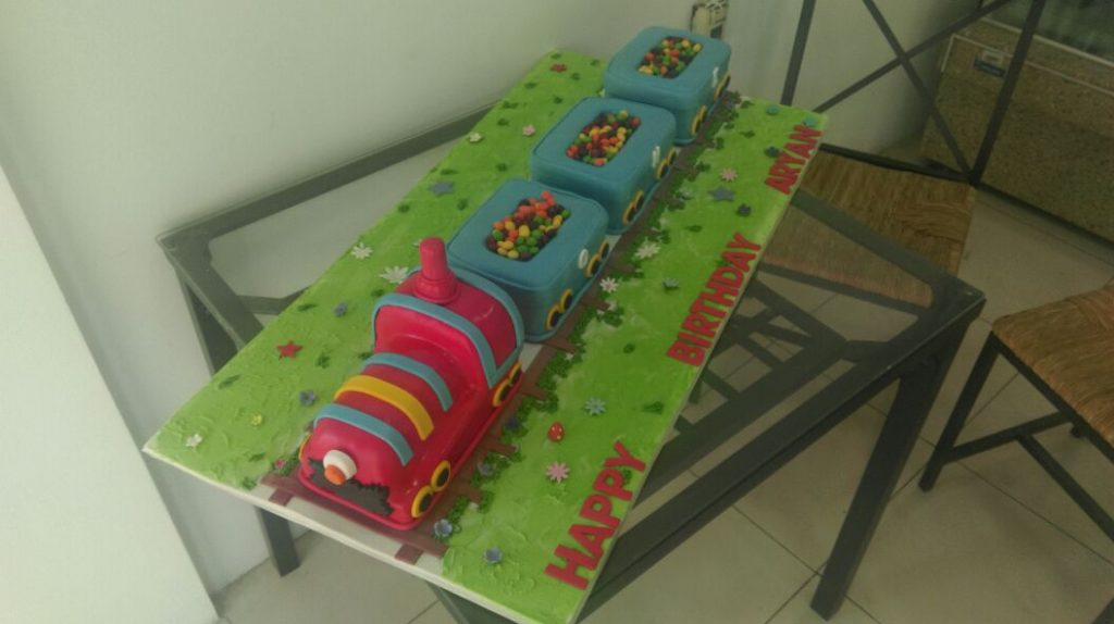 Train cake for boys